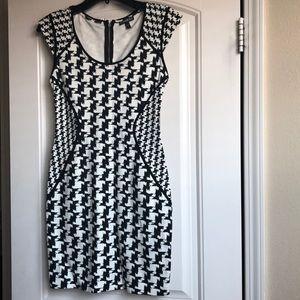 Express Houndstooth Dress Size 4